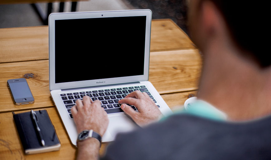 macbook-meeting